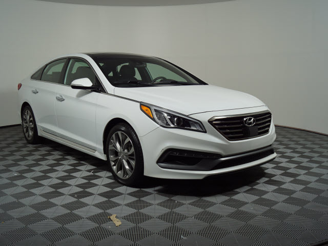 Pre-Owned 2015 Hyundai Sonata 4dr Sdn 2.0T Limited w/Gray Accents